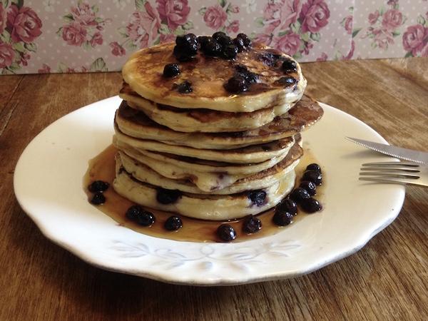 blueberries pancakes1